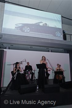 Ensemble with guitar and vocal Debut of the new BMW 5 Series F10 | photo: livemusicagency.com