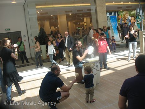 Music played in The Mall | photo: livemusicagency.com
